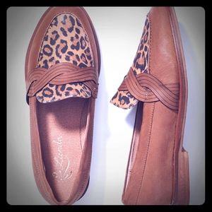 Liendo by Seychelles Twist Loafers